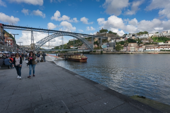 camino-portuguese-day-0-porto-sightseeing-and-pilgrims-passports_28712700207_o