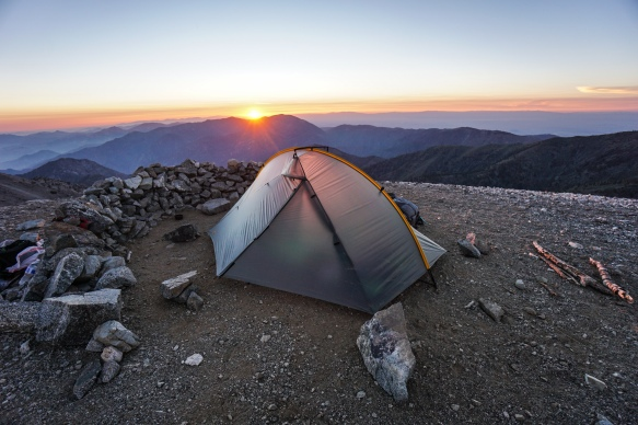 camping-at-the-summit-of-mount-baldy_41770173532_o