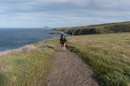 hiking-scorpion-bay-to-cavern-point--santa-cruz-island---channel-islands-national-park_41681598592_o